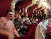 Schülerinnen und Schüler im Landestheater