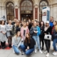 Gruppenbild vor dem Cafe Central in Wien