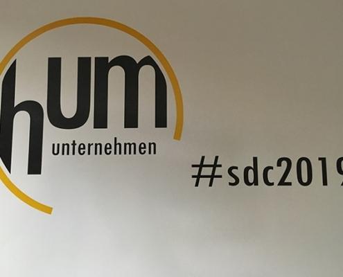 Logo HUM und #sdc2019