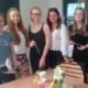 Schülerinnen beim Barseminar