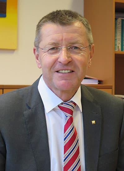 HR Mag. Gerhard STEINER